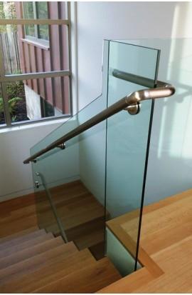 Стеклянные лестницы с алюминиевым поручнем